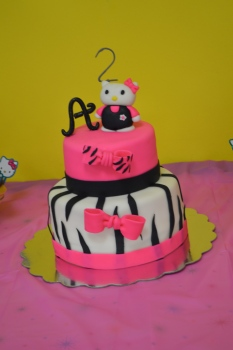 Hello Kitty Cake - LOVE!!