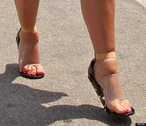Kim Kardashian's Swollen Feet